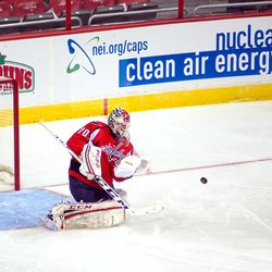 Holtby Gives Up Rebound