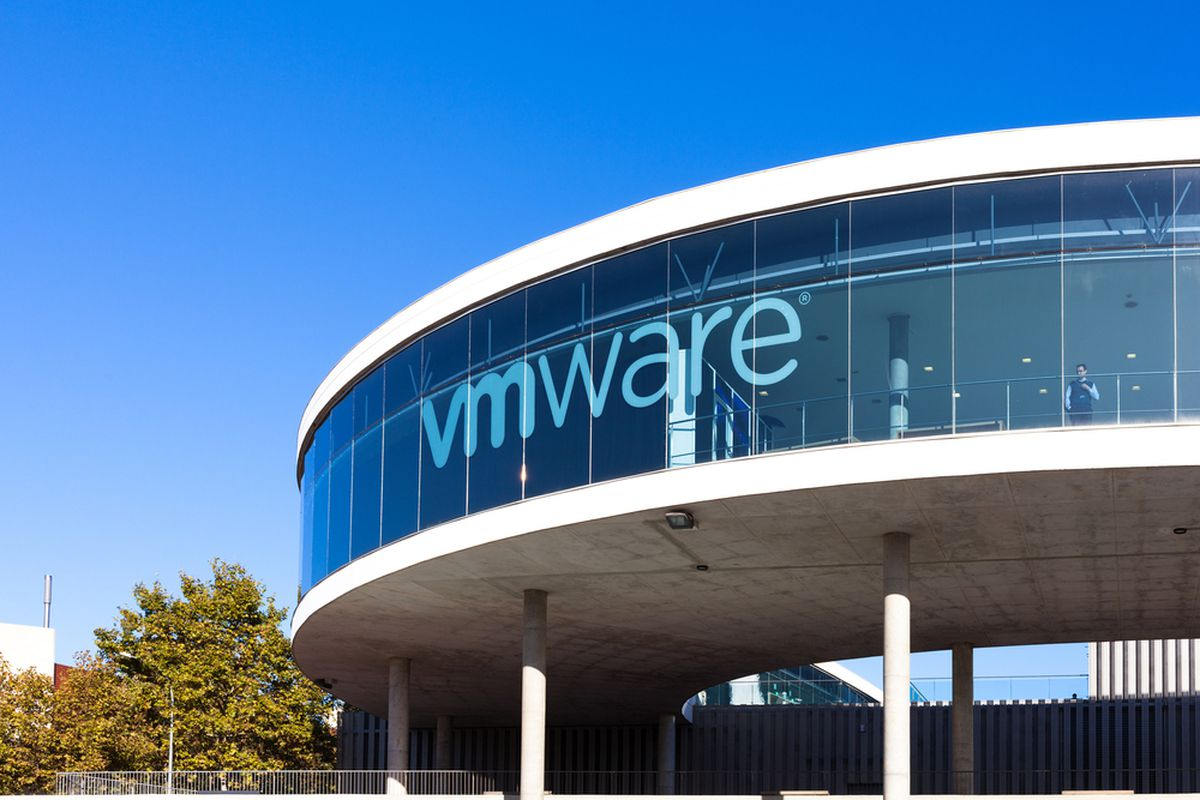 EMC Considers a Buyout by Its Own Subsidiary VMware - Vox