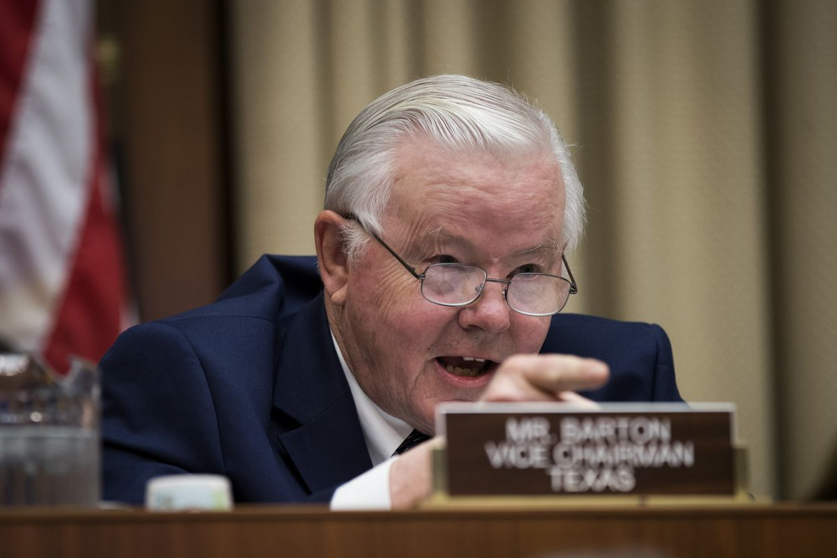 Rep  Joe Barton to retire in 2018 after nude photo and messages made