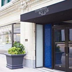 """<a href=""""http://chicago.eater.com/archives/2012/07/05/look-inside-piccolo-sogno-due-officially-open-now.php"""">Chicago: A Look Inside <strong>Piccolo Sogno Due</strong>, Officially Open Now</a> [Jason Little]"""