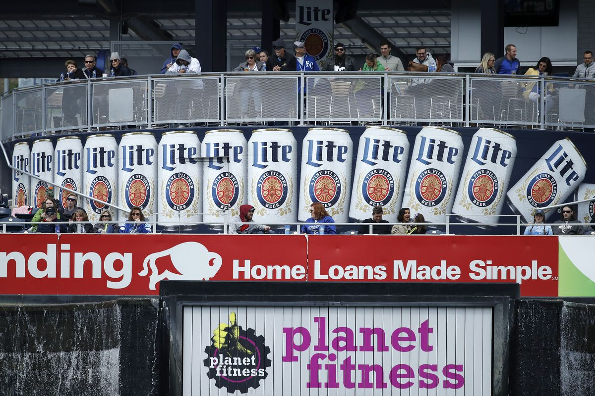 Los Angeles Angels v Kansas City Royals