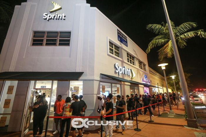 View of the line outside of the Sprint store on Lincoln rd on Miami Beach