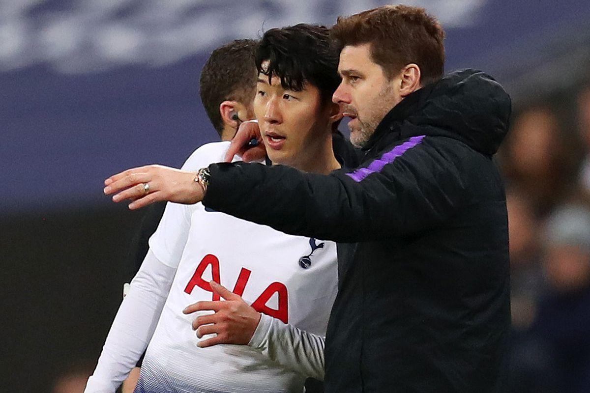 Mauricio Pochettino speaks to Heung-Min Son - Tottenham Hotspur - Premier League