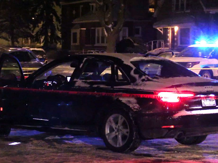 Police investigate a shooting about 1:30 a.m. Saturday, January 26, 2019 in the 12000 block of South State Street in Chicago. | Justin Jackson/ Sun-Times
