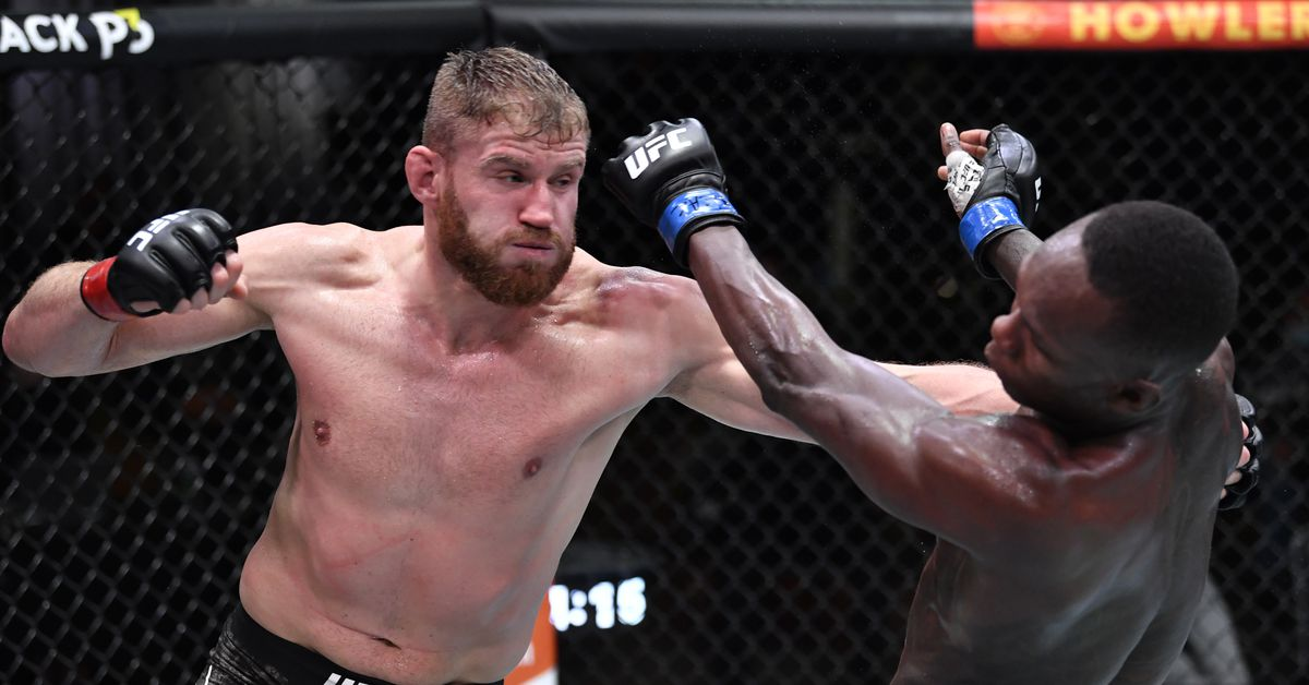 Jan Blachowicz overpowers Israel Adesanya to win unanimous decision in UFC 259 main event