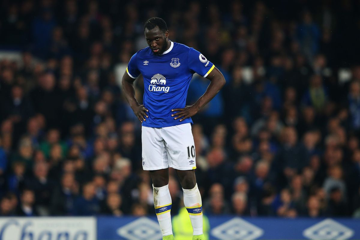 Man Utd agree £75m fee to sign Everton striker Romelu Lukaku