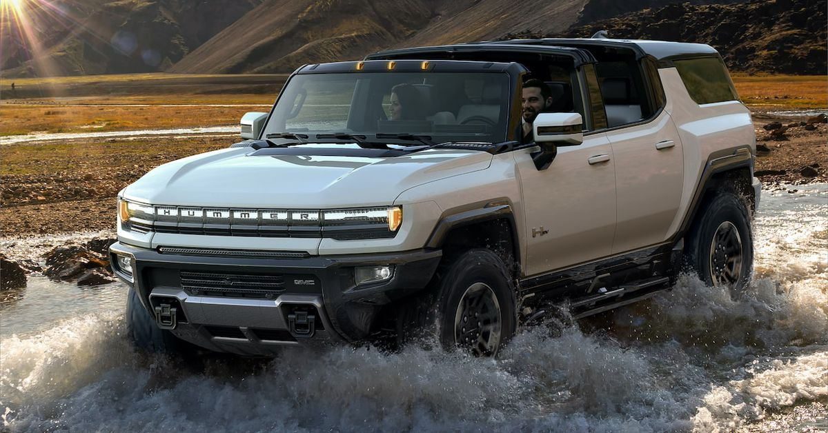 Hummer's new electric SUV can drive diagonally, with 300 miles of range and a 0,000 price tag