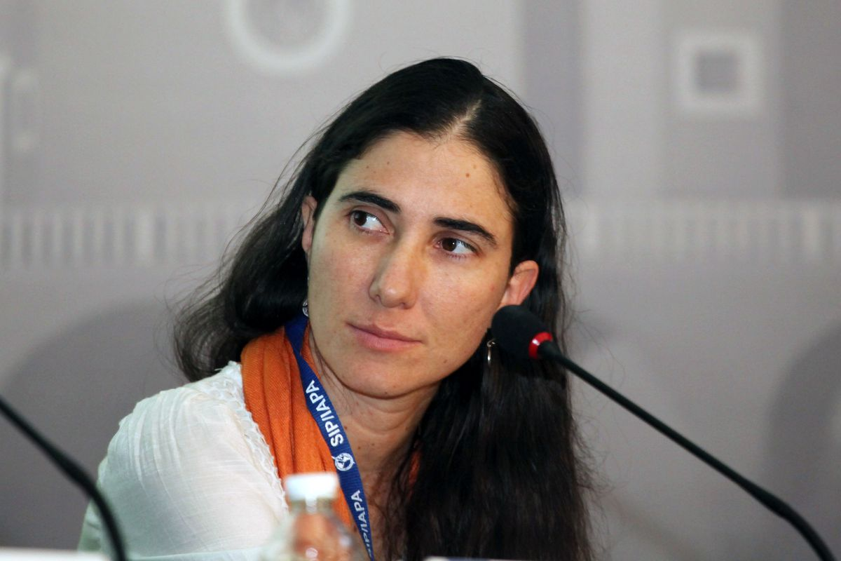 Cuban writer Yoani Sanchez speaking in Mexico