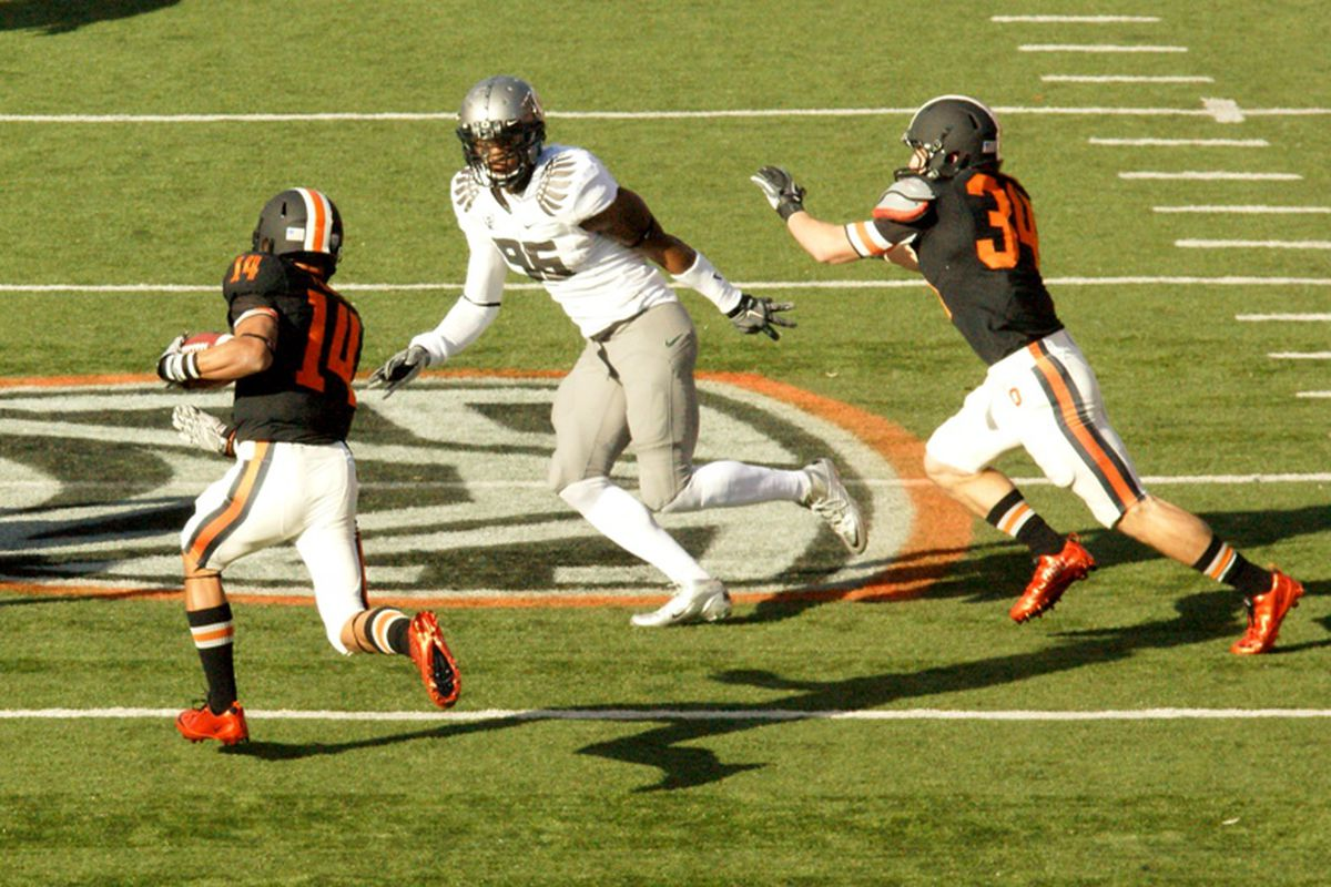 Jordan Poyer (14) has quietly gone about the business of becoming one of Oregon St.'s best players.  <em>(Photo by Andy Wooldridge) </em>