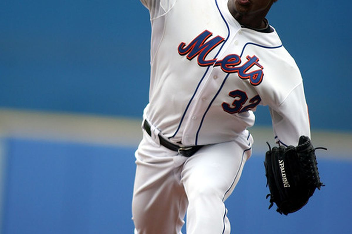 PORT ST. LUCIE, FL - FEBRUARY 26:  Jenrry Mejia #32 of the New York Mets throws against the Atlanta Braves at Digital Domain Park on February 26, 2011 in Port St. Lucie, Florida.  (Photo by Marc Serota/Getty Images)