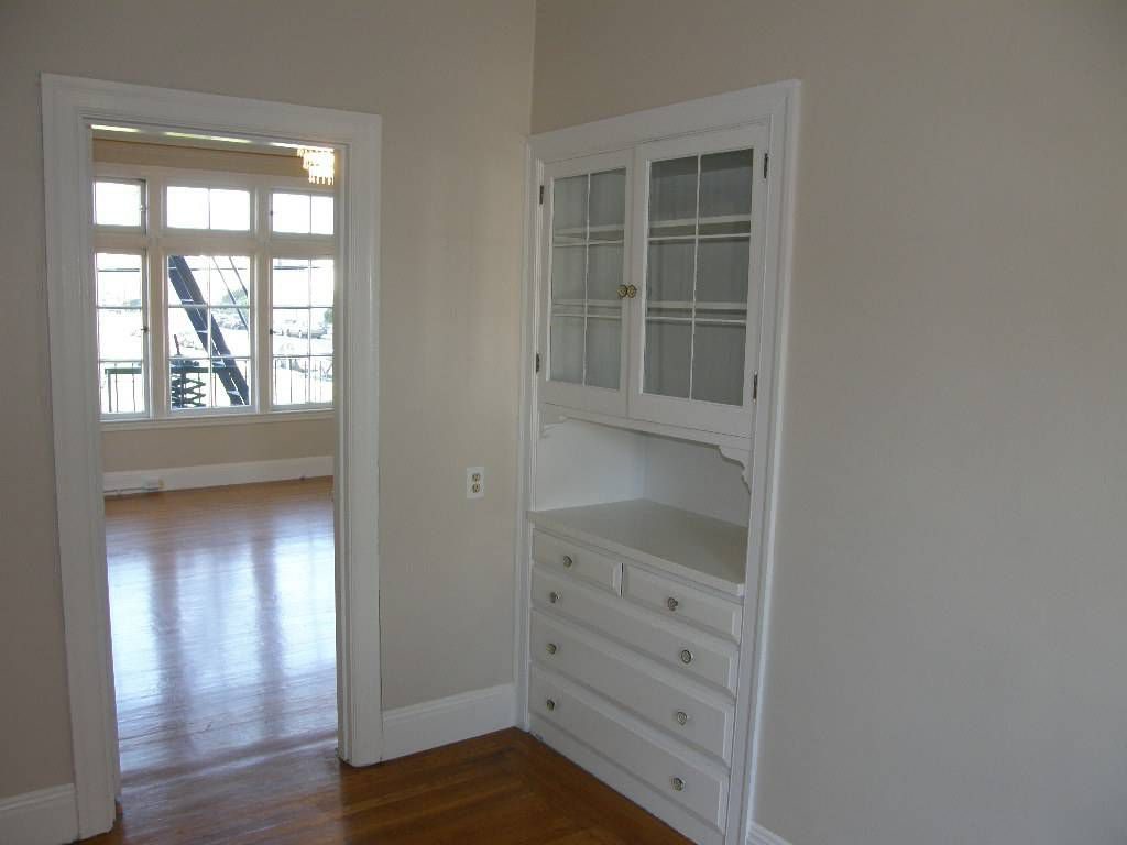 Today We Go Across The Bridge To Oakland Once Again Is One Person S Studio Another Townhouse Price 2 100