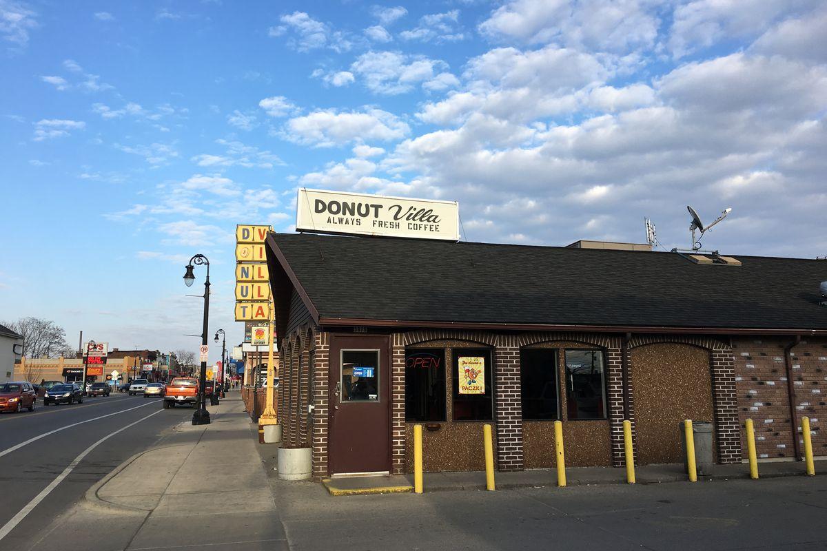 outside of donut villa