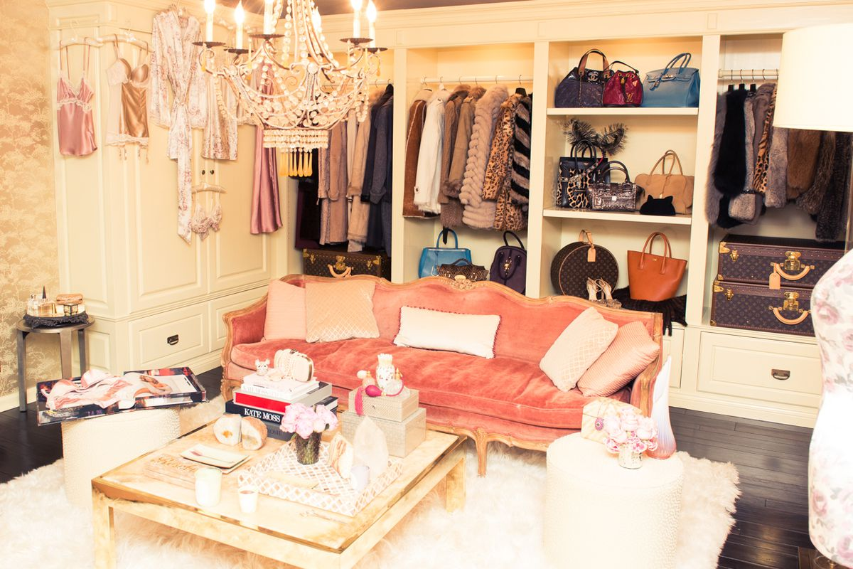 """Image via <a href=""""http://www.thecoveteur.com/rosie-huntington-whiteley/"""">The Coveteur</a>"""