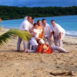 Stacee Wendling and Ryan Remsing were married last Thanksgiving weekend on the beach in Vieques. Pictures with their wedding party immediately followed the beach ceremony.
