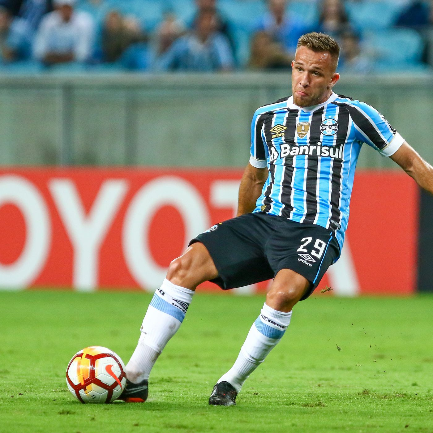 Tactical Analysis: How Arthur will fit in at Barcelona - Barca
