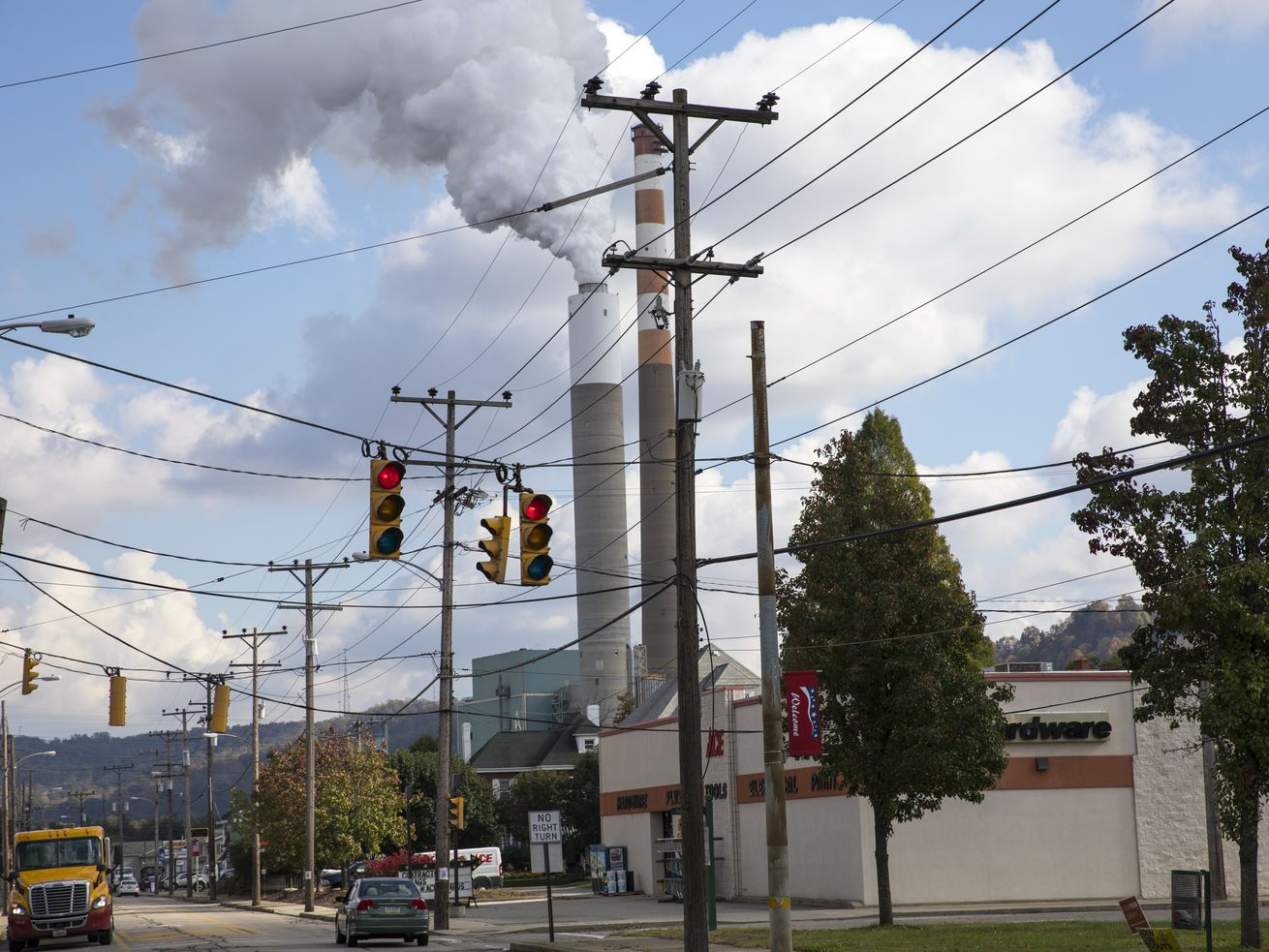 A view of the smoke stack of the Cheswick coal-fired power plant in Springdale, Pennsylvania. The United States has produced more carbon dioxide emissions than any other country since 1750, making it one of the largest contributors to climate change.
