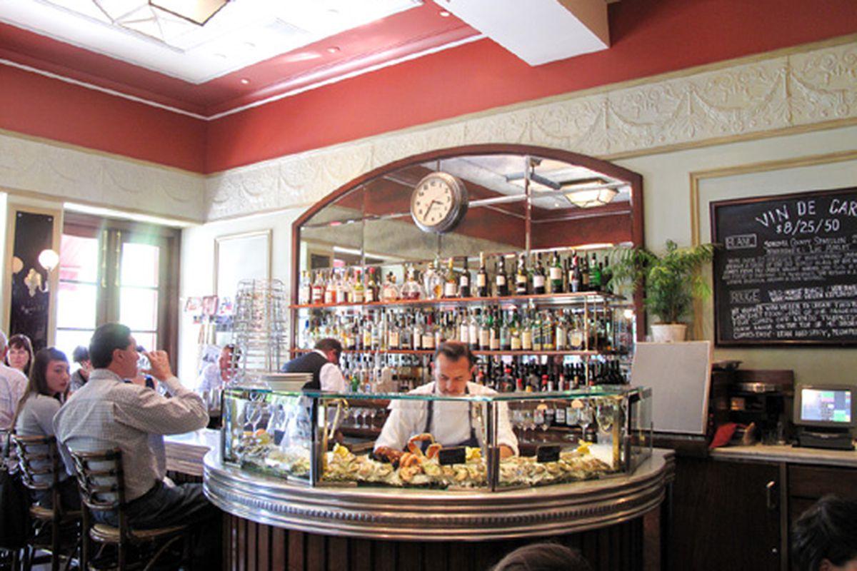 The raw bar at Bouchon.