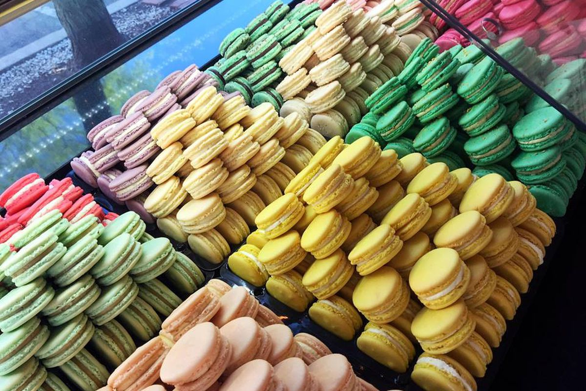 Caramel French Patisserie macarons