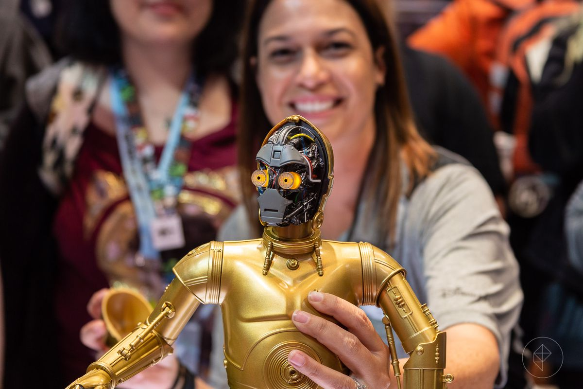 Best Speaker Wire >> How fans will build their own droids at Disney's Star Wars ...