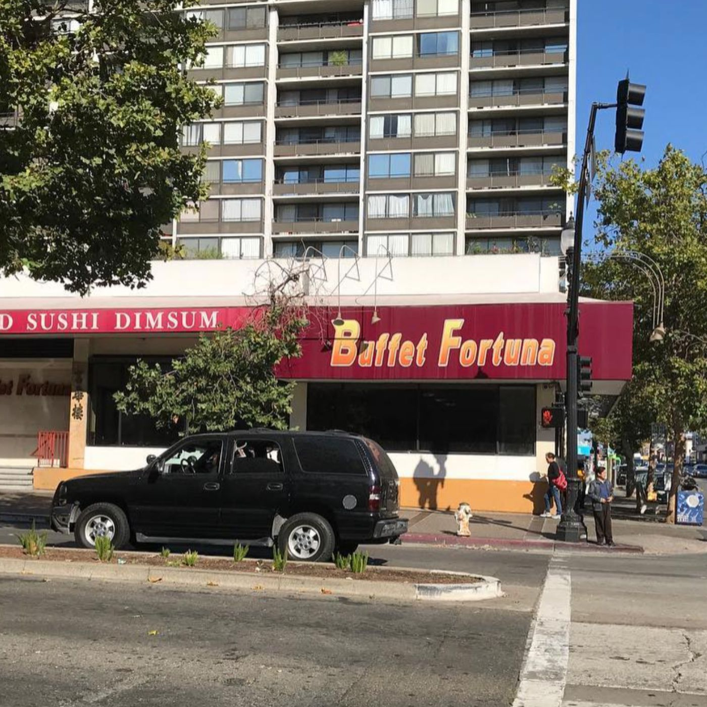 eater.com - Eve Batey - Police, not Protesters, Reportedly Caused Fire at Oakland Restaurant