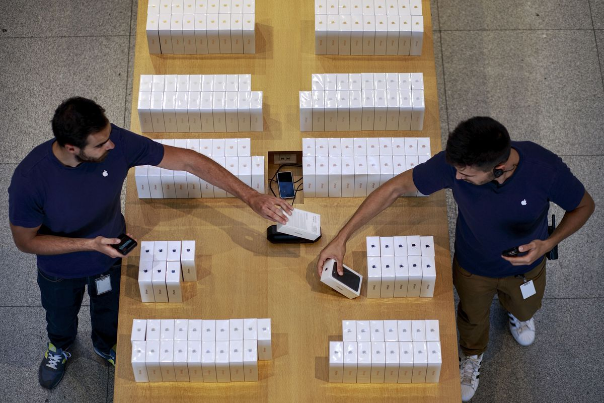 Iphone 7 Is Presented in Madrid