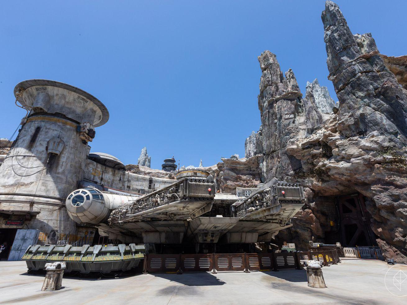 Star Wars land: An inside look at Disneyland?s immersive new world