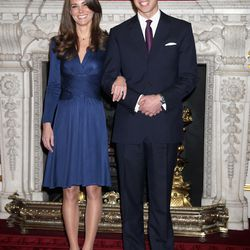 Wearing Issa to announce her engagement to Prince William in the State Apartments of St James Palace on November 16th, 2010 in London, England.