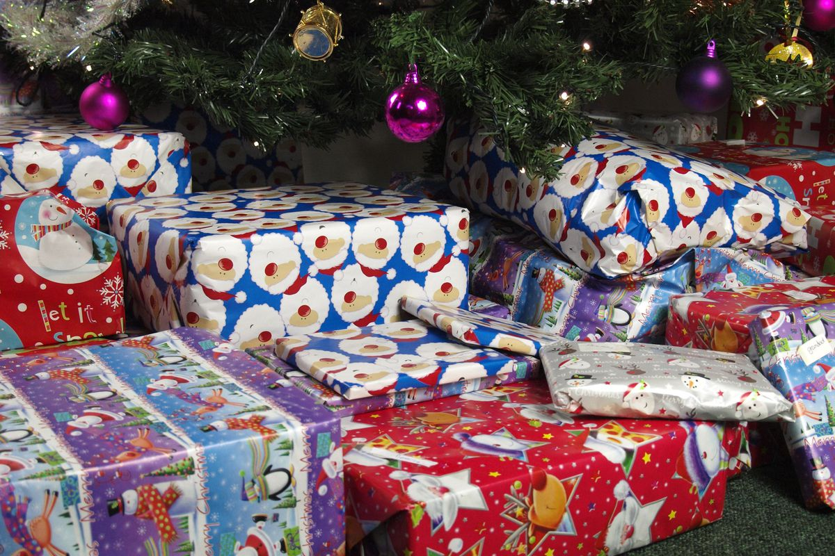 Christmas presents, UK