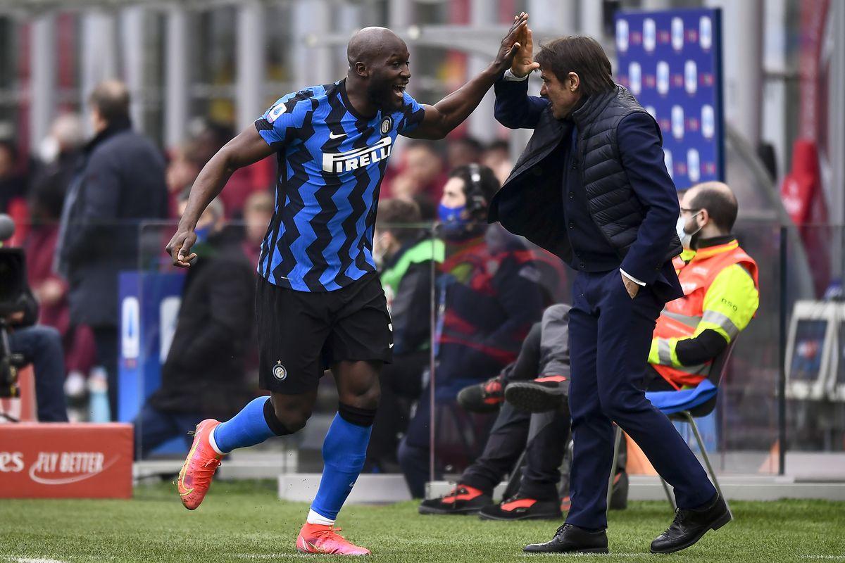 Romelu Lukaku (L) of FC Internazionale celebrates with...