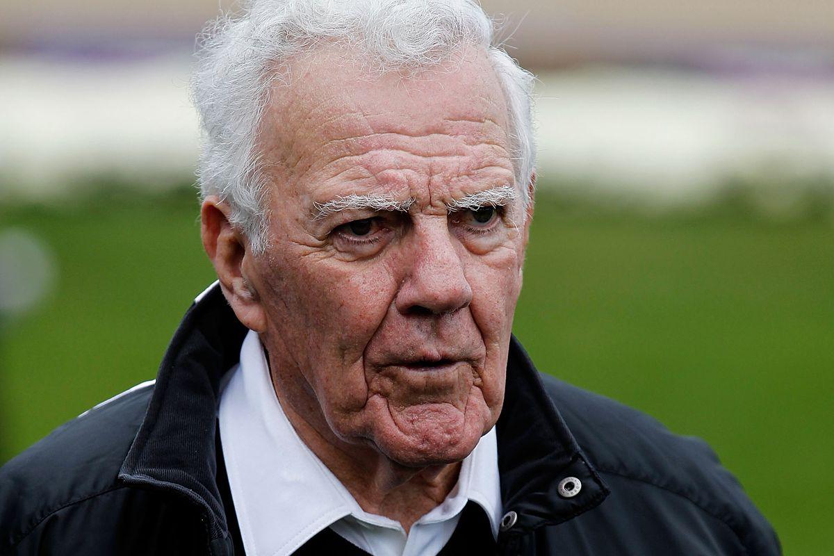 0263a3dcf86 Ara Parseghian, former Miami University player and coach, passes away at 94