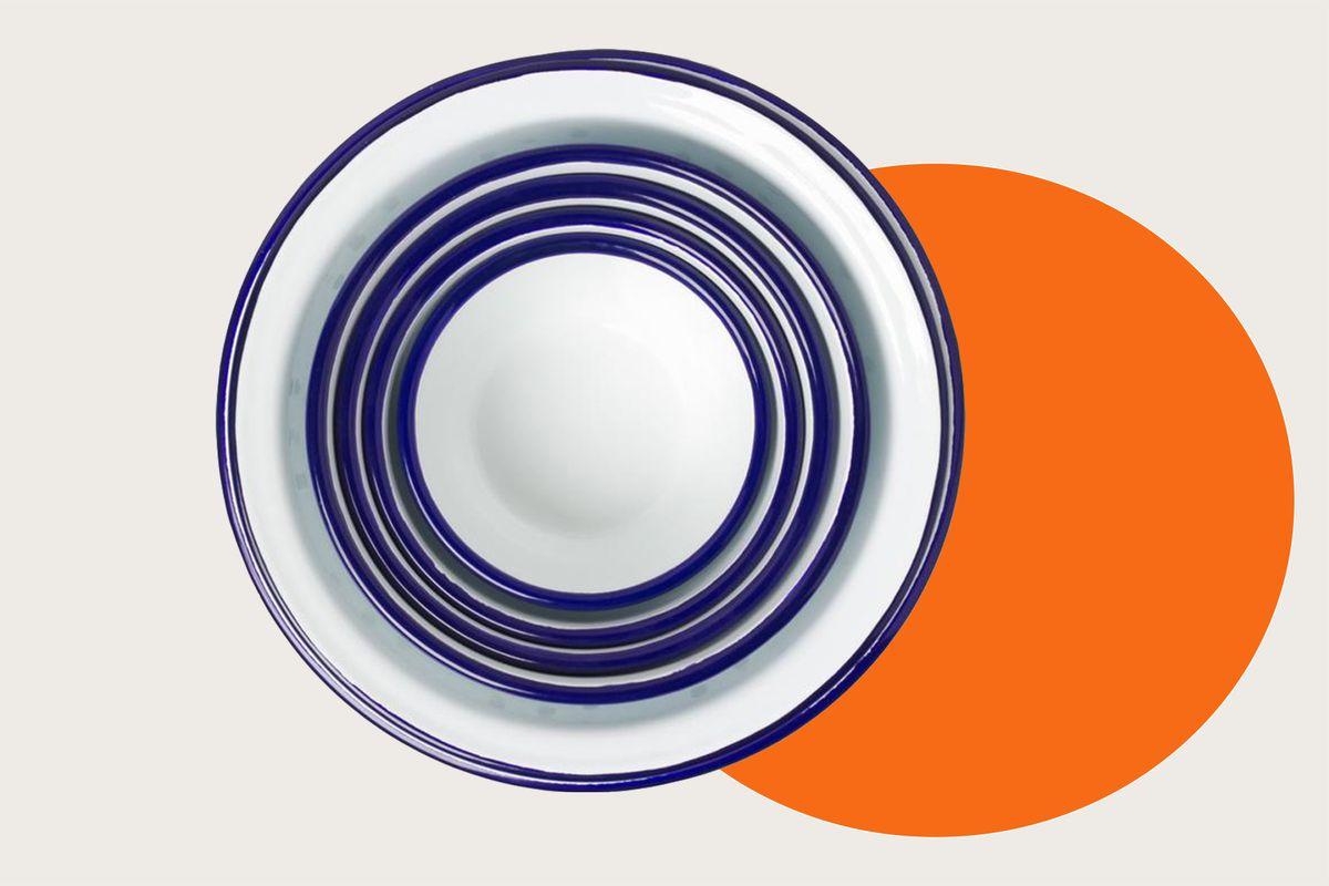 A set of nesting Falcon Enamelware prep bowls