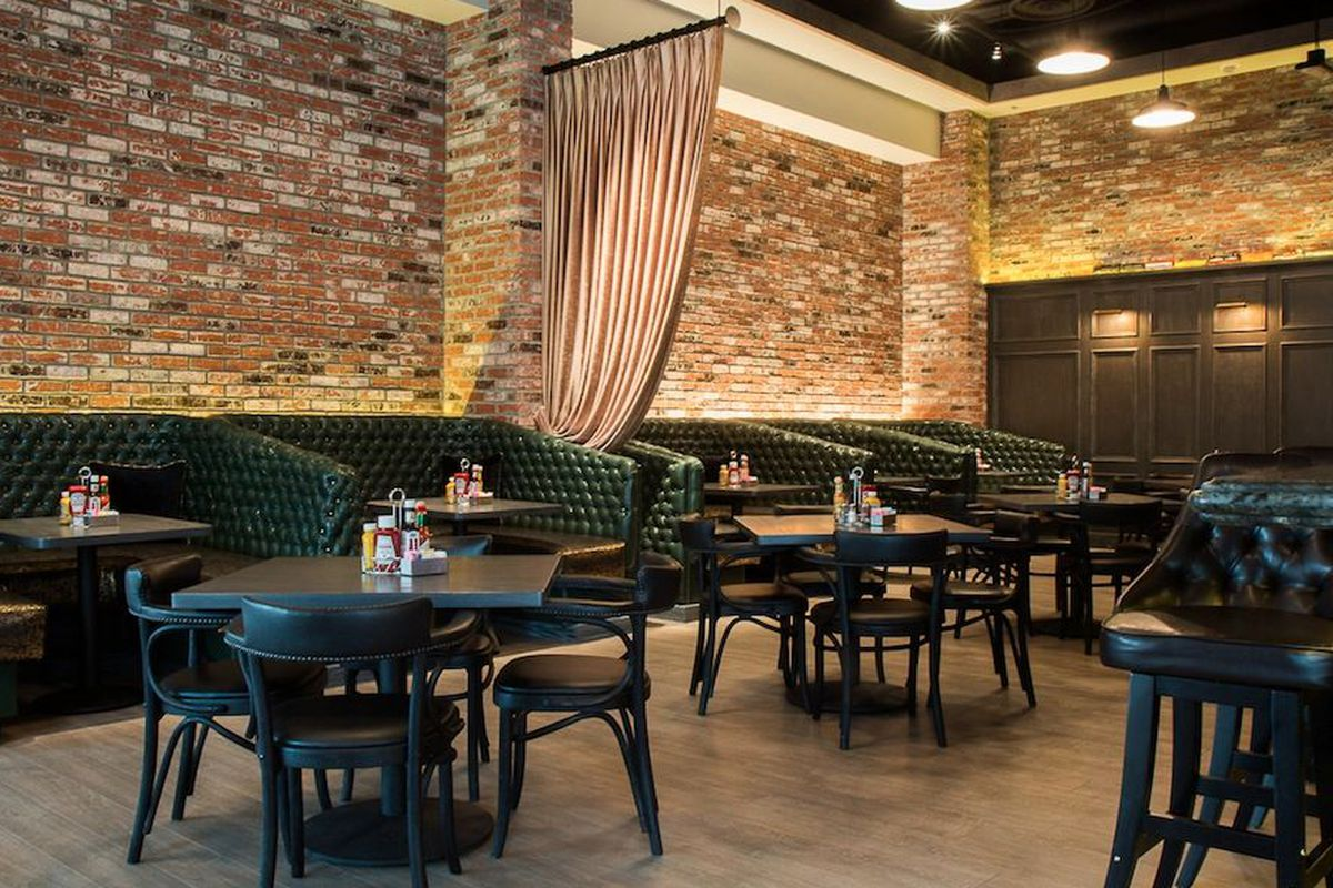 """<a href=""""http://vegas.eater.com/archives/2014/03/03/revel-in-the-speakeasy-touches-at-the-blind-pig.php"""">The Blind Pig, Las Vegas</a>."""