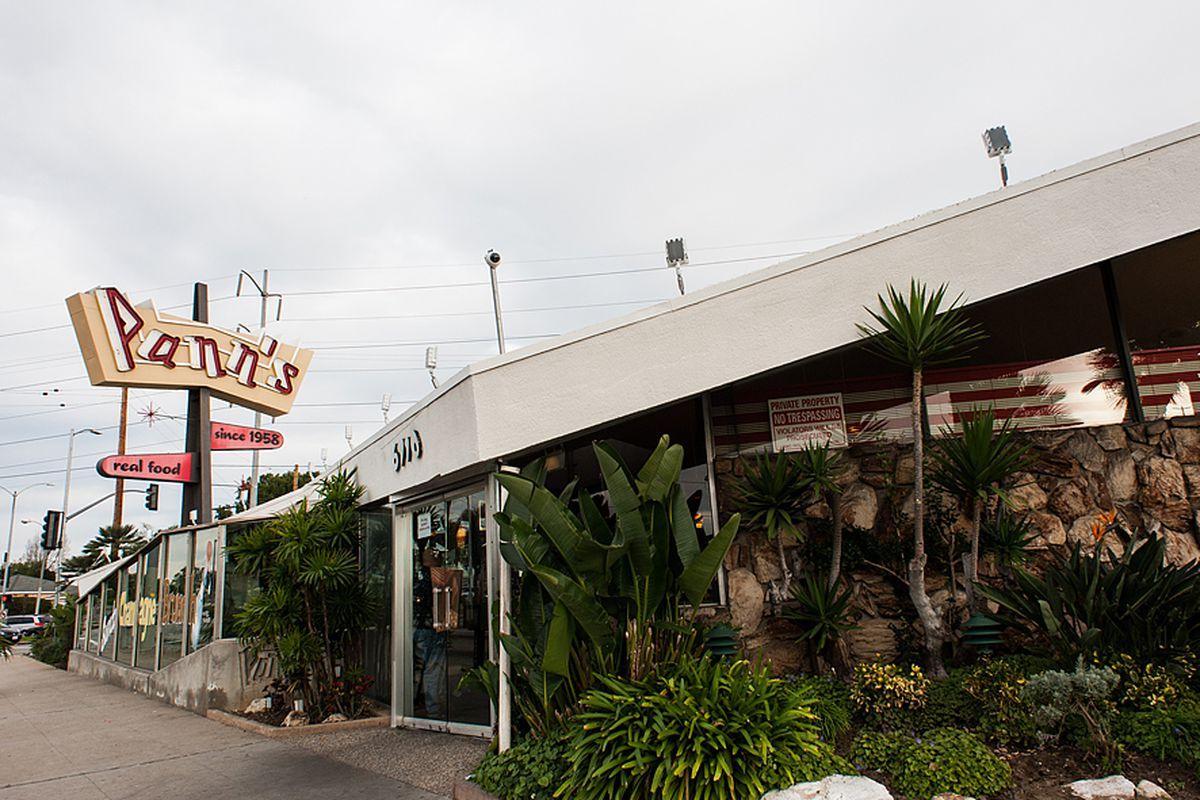 Iconic La Diner Panns Shortens Hours Amid Rising Minimum Wage