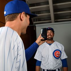 Anthony Rizzo has fun with Cole Hamels