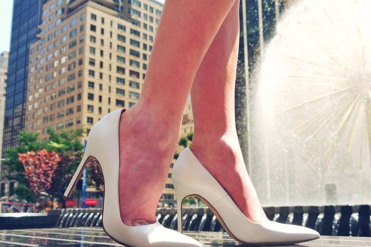 Buy Manolo Blahniks at Sample Sale Prices in This Tiny Connecticut ...