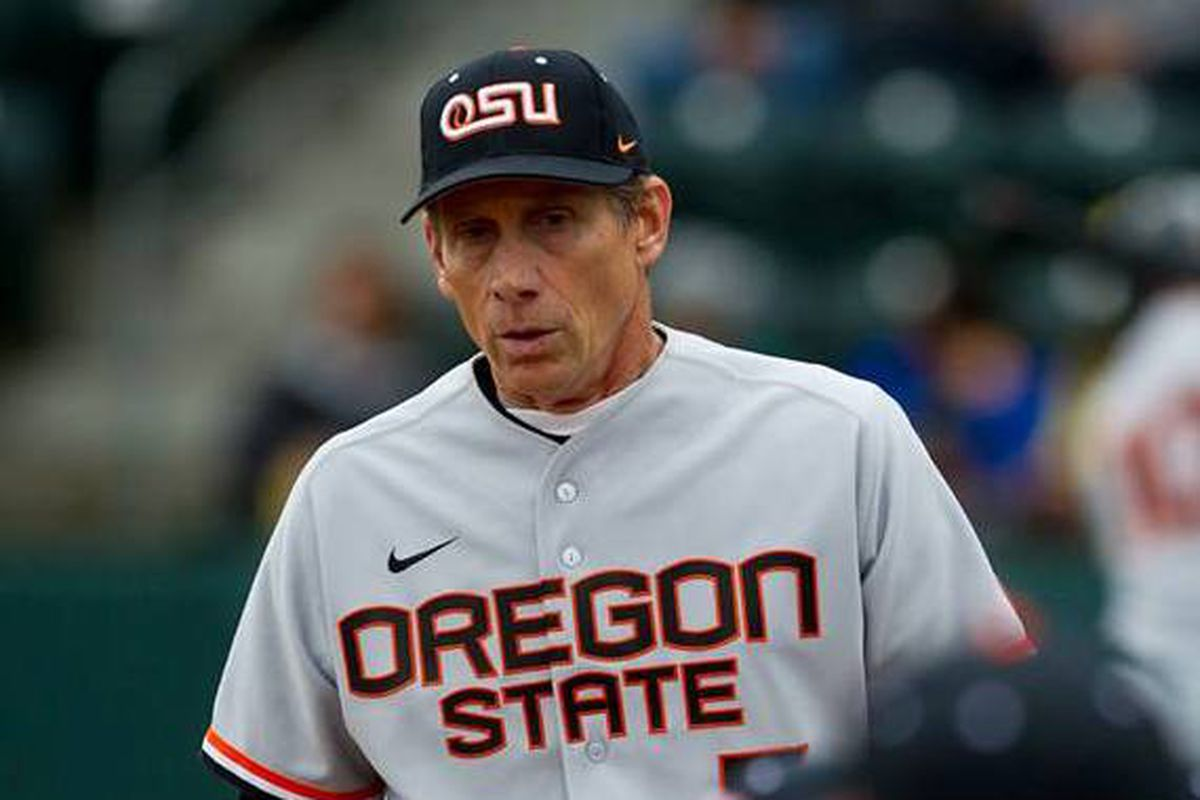 Pat Casey's Beavers struggle on offense to drop the second game of a key Pac-12 series against the UCLA Bruins
