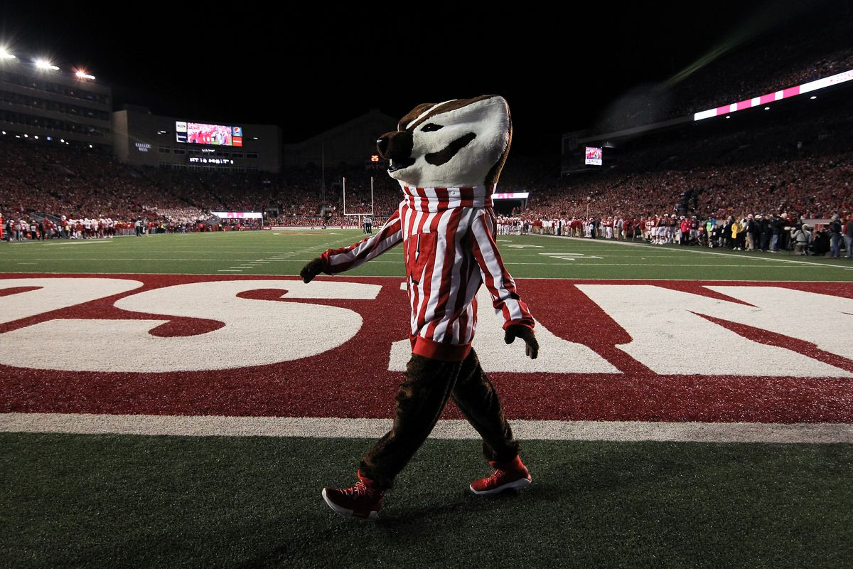 Wisconsin Badgers Football Recruiting An Offer Was Given Out To A 2021 Db From A Familiar High School Bucky S 5th Quarter
