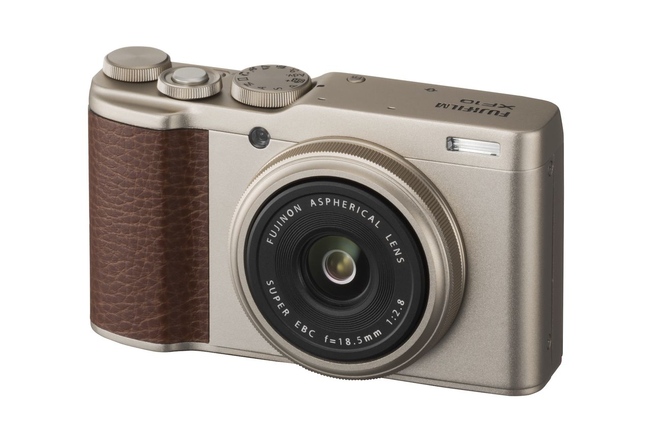 fujifilm s xf10 is a small compact camera with a big sensor