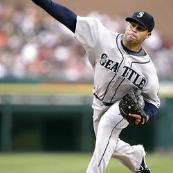 Seattle Mariners starter Ian Snell pitches against the Detroit Tigers in the second inning of a baseball game Wednesday, Aug. 19, 2009, in Detroit. (AP Photo/Duane Burleson)