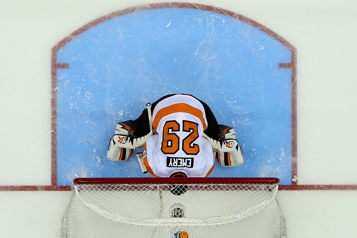 Ray Emery would've had a better shot stopping Teej and Shatty if he'd done THIS in net.
