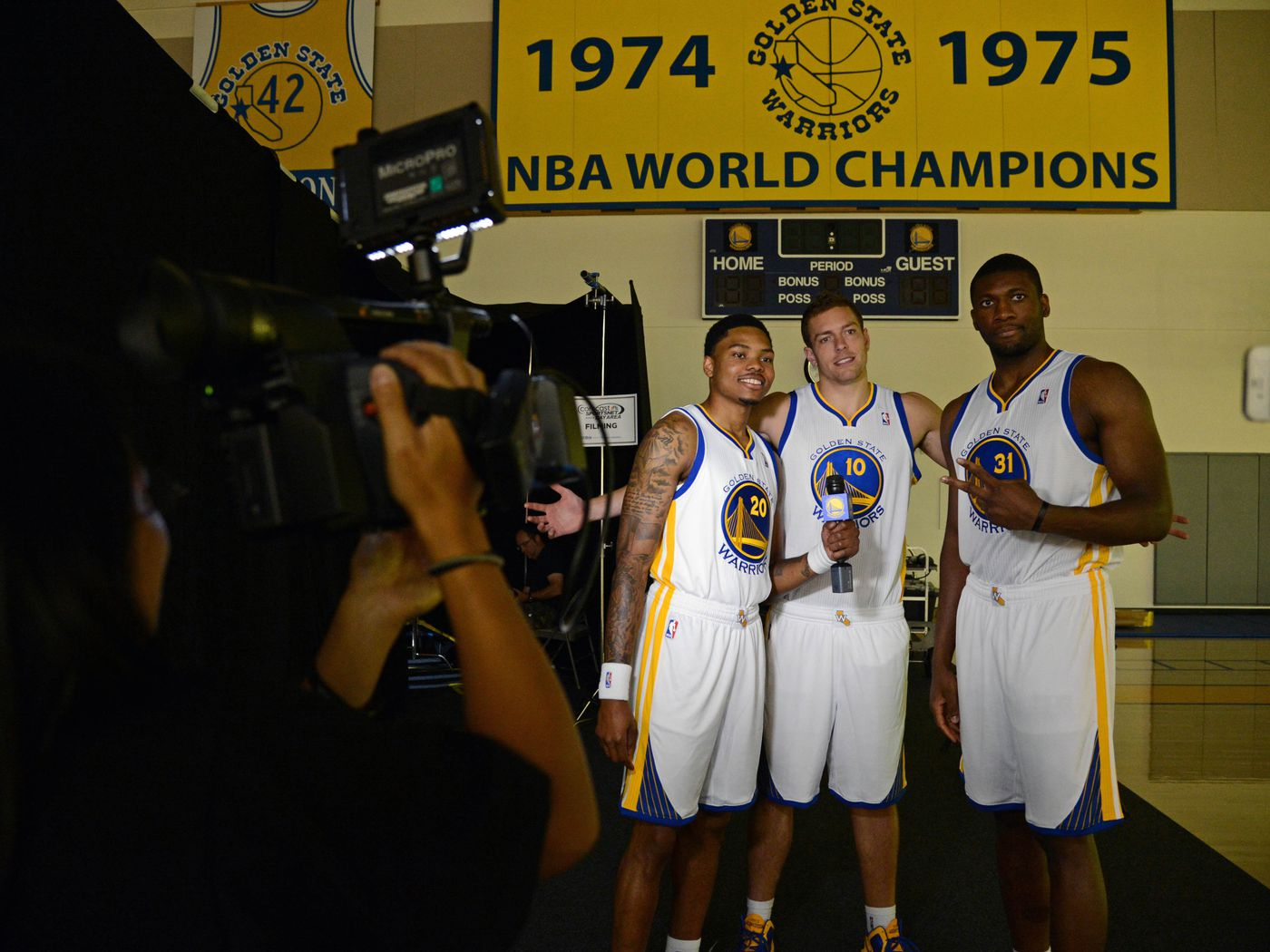 2013 2014 Golden State Warriors Nba Blog Preview We Are Golden Thank You Jim Barnett Golden State Of Mind