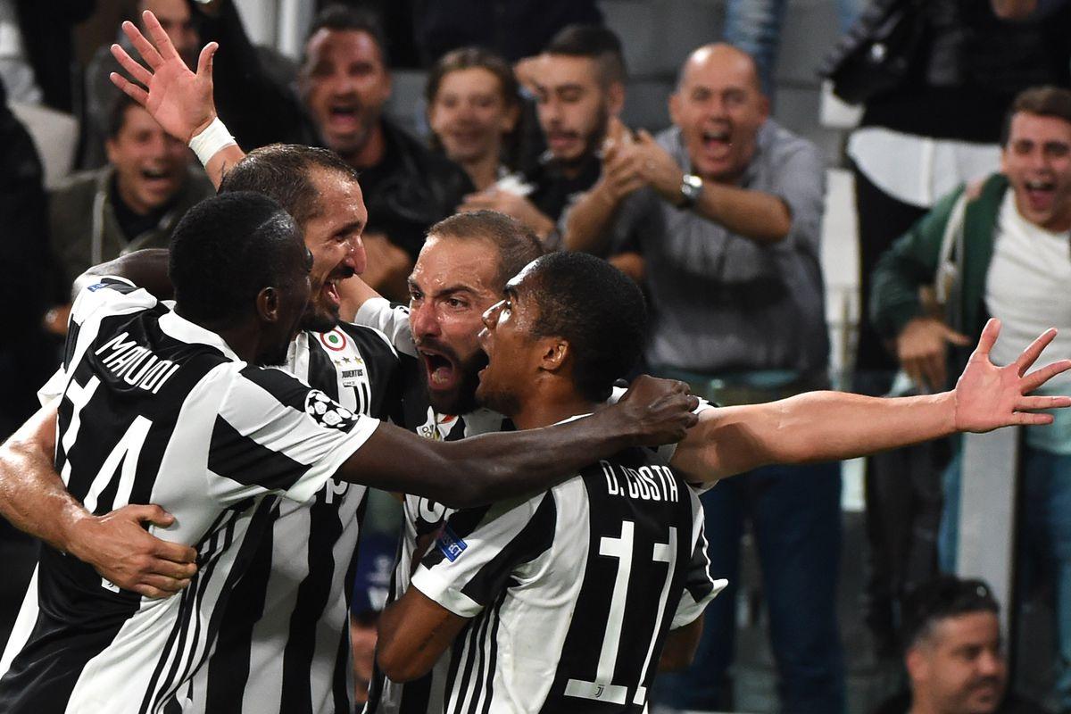 Juventus v Olympiakos Piraeus - UEFA Champions League