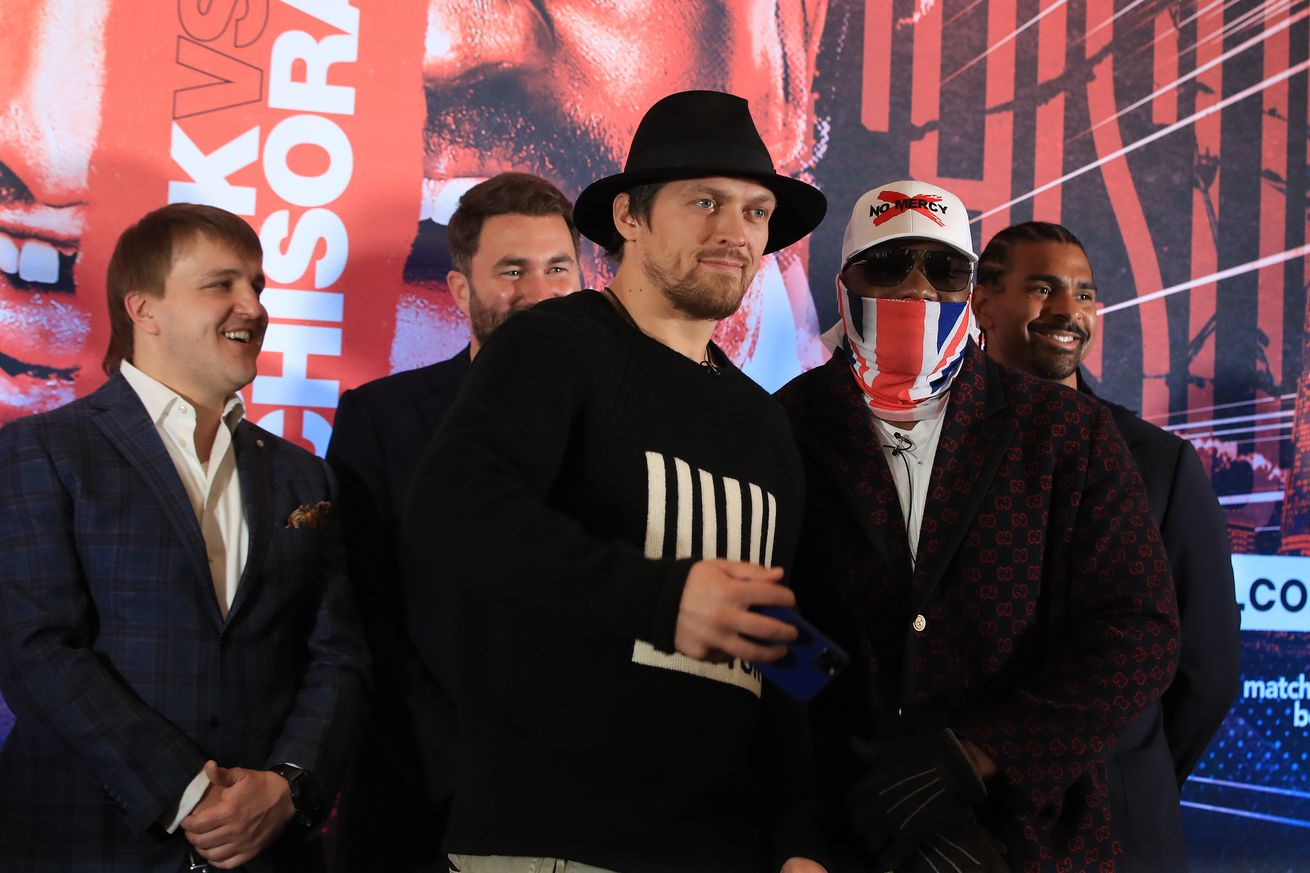 """1212176887.jpg.0 - Usyk-Chisora """"close"""" for Oct. 31 in London"""