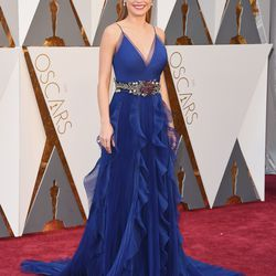 Best Actress nominee Brie Larson wears a Gucci gown and a slicked-back middle part. Photo: Jason Merritt/Getty Images