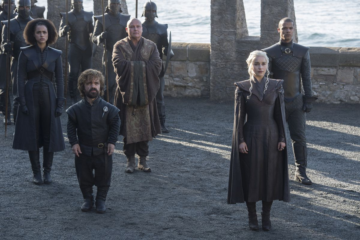 Still of a crowd in 'Game of Thrones'