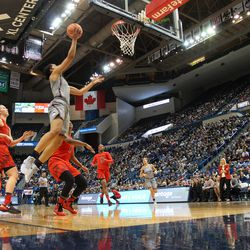 UConn�s Gabby Williams (15) goes in for a layup against Maryland.