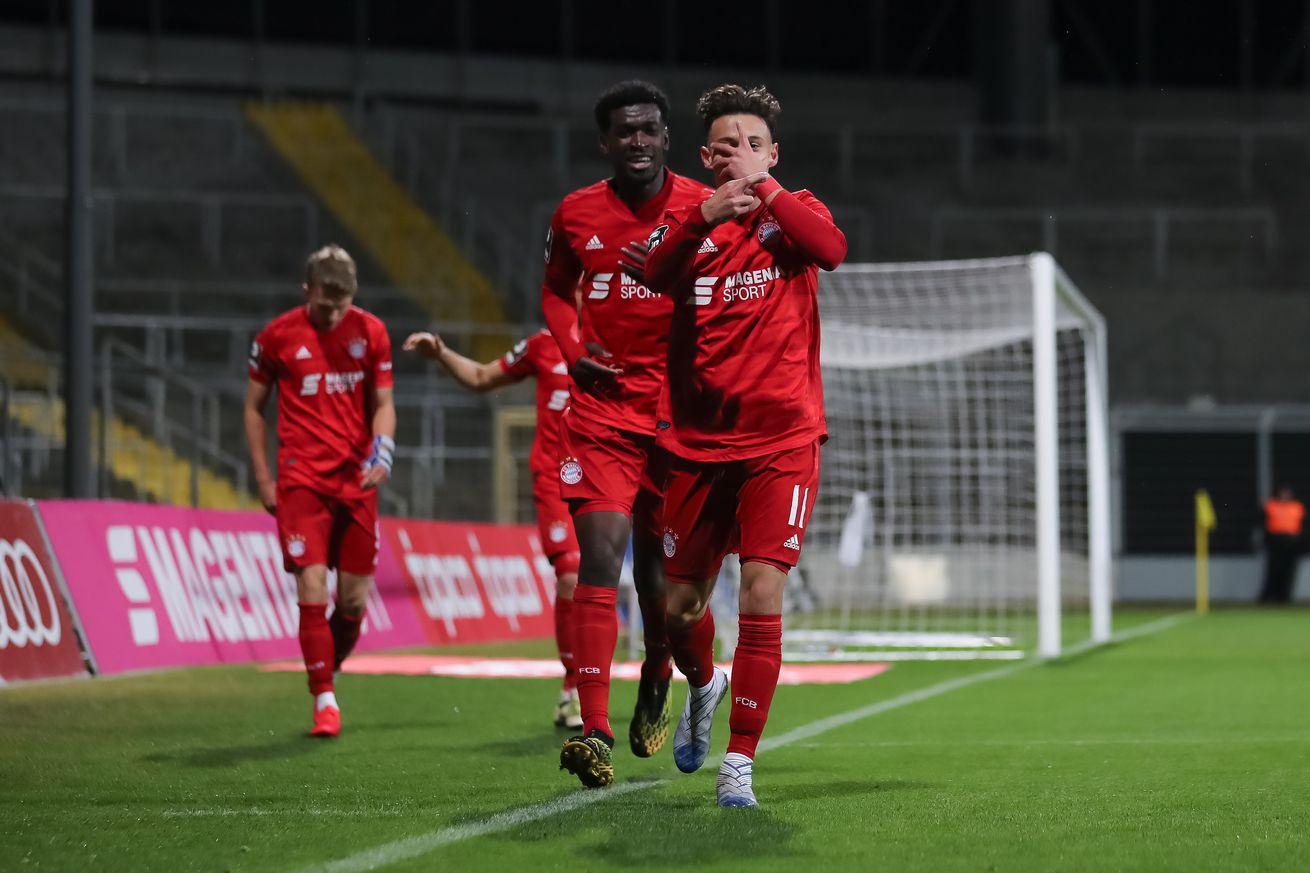 Bayern Munich II smash Hallescher FC to continue move up 3.Liga table