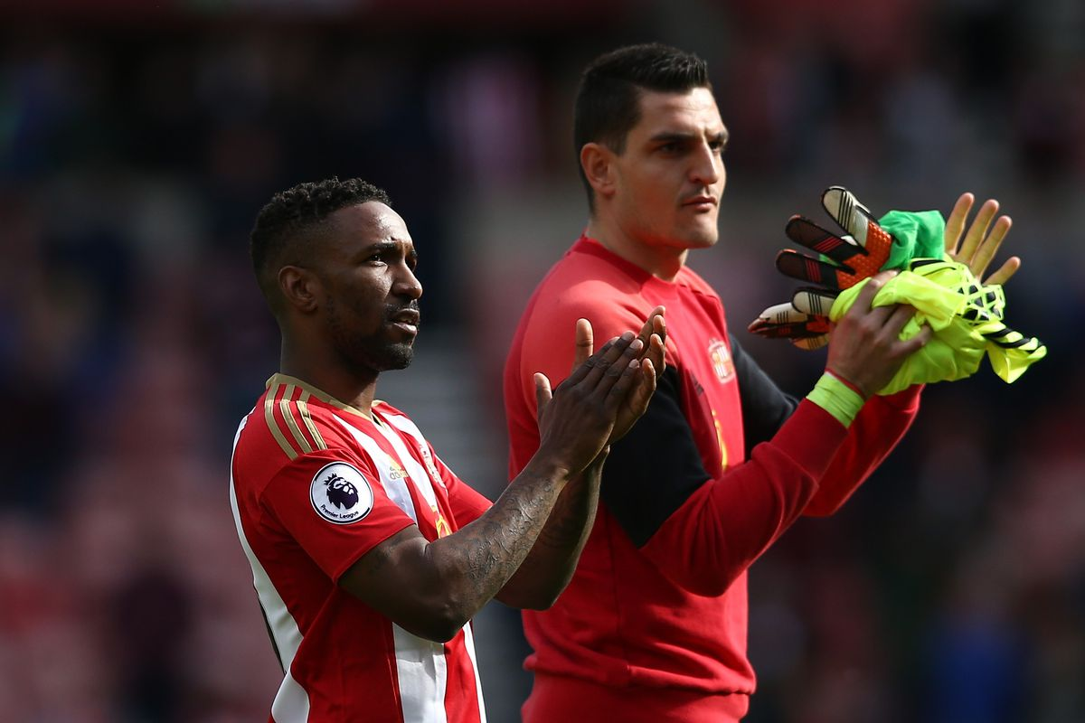 Sunderland Accept £2m Bid From Reading for Goalkeeper Vito Mannone