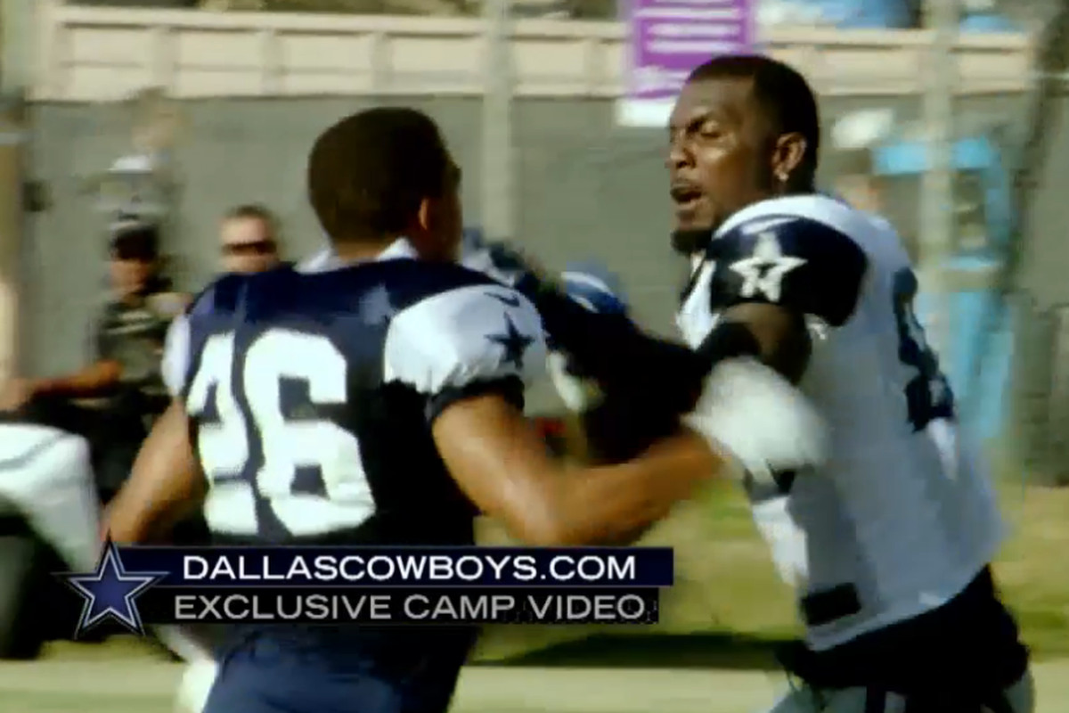 a7a8c1d8a91 Eagles News: Dallas Cowboys players are fighting each other ...
