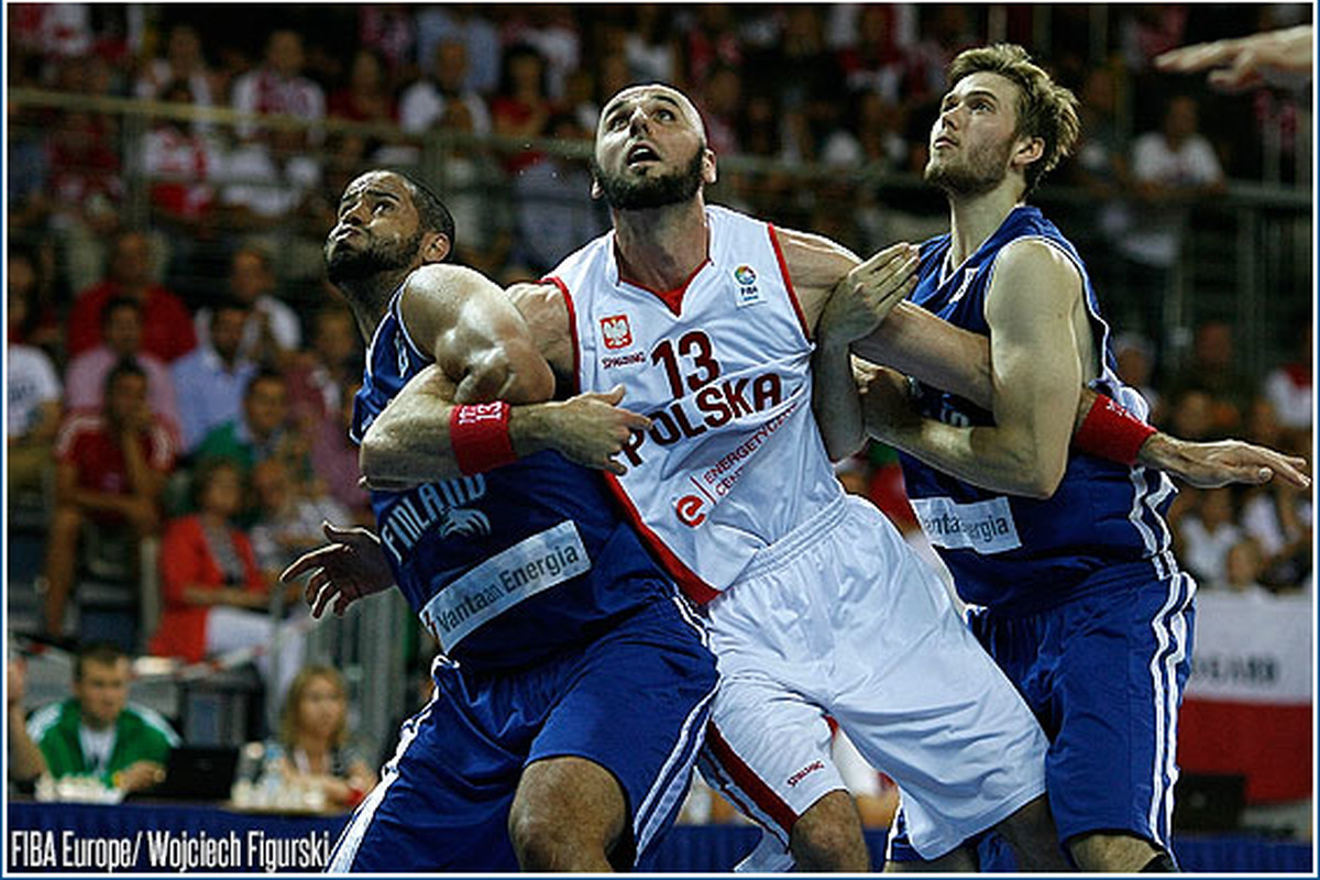 Wonder why his arms aren't up for the rebound?
